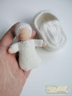 Malutka laleczka z najlepszymi życzeniami | Lalinda