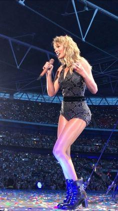 Now that's a Goddess : TaylorSwiftsLegs - Leotards Taylor Swift Concert, Taylor Swift Hot, Live Taylor, Swift 3, Taylor Swift Style, Swift Tour, Taylor Swift Wallpaper, Taylor Swift Pictures, Elsa Hosk