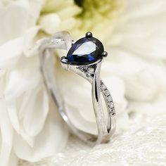 Inel cu safir si diamante B844