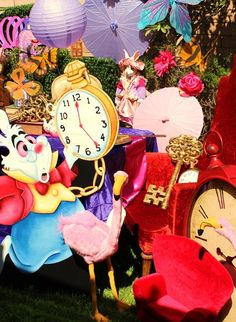 Décor at an Alice in Wonderland Party #aliceinwonderland #partydecor