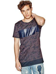 Esta camiseta de algodón es una auténtica demostración de modernidad que hace…