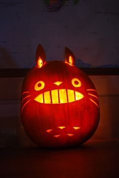 The World's Best Photos of halloween and miyazaki Halloween Pumpkin Designs, Cute Halloween, Holidays Halloween, Halloween Pumpkins, Halloween 2020, Pumpkin Designs Carved, Cool Pumpkin Designs, Halloween Ideas, Outdoor Halloween