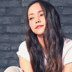 ヒデMIXさんはInstagramを利用しています:「絵になる(*´ー`*) #安室奈美恵 #and GIRL#撮影 #かわいい#かっこいい #笑顔#ハニカミ」 Prity Girl, Sore Eyes, My Princess, Cool Girl, Singer, Long Hair Styles, Beauty, Singers, Long Hairstyle