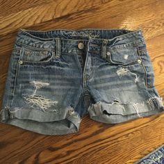 Cute shorts! Light wash shorts American Eagle Outfitters Shorts Jean Shorts