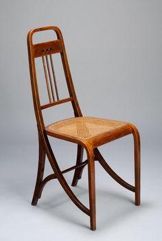 Josef Hoffmann, chair Nr. 511, 1900-01. Beechwood, cane. For Thonet, Austria. Museum of Fine Arts, Budapest.