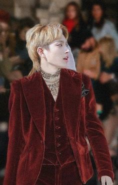 Stage Outfit, Jung Woo Young, Velvet Suit, Red Suit, Kim Hongjoong, Kpop Guys, Mullets, Lany, Asian Men