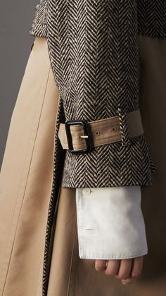 Donegal Tweed and Cotton Gabardine Trench Coat in Natural White/black - Wom. trench c. Iranian Women Fashion, Womens Fashion, Fashion Details, Fashion Design, Fashion Trends, Trench Coat Outfit, Coats For Women, Clothes For Women, Style Casual