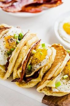 Breakfast tacos - Light and fluffy pancakes act as a vehicle for thick slices of bacon, melted cheese, and fried eggs. Smother the whole thing in maple syrup and you have the best breakfast ever! Clean Eating Breakfast, Breakfast Tacos, Breakfast Time, Best Breakfast, Clean Eating Snacks, Breakfast Recipes, Breakfast Ideas, Irish Breakfast, Gourmet Breakfast