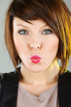 Razor Cut Bob.. But why the duck face?!