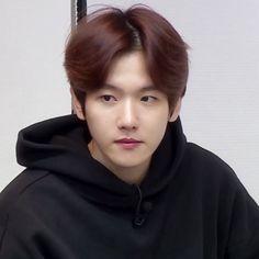 Baekhyun, Meme Faces, Funny Faces, Boyfriend Best Friend, Bare Face, Xiu Min, Exo Memes, Kpop, Chanbaek