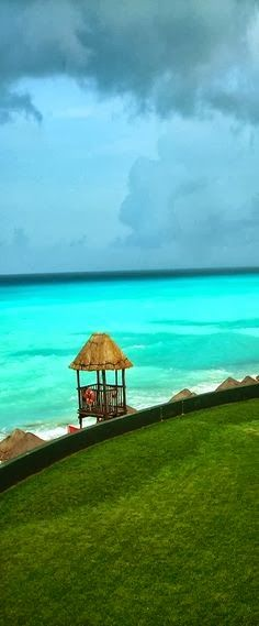 Cancun, Mexico  The water seems impossibly blue. #unlimitedromance