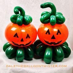 Halloween House, Holidays Halloween, Halloween Crafts, Halloween Decorations, Balloon Flowers, Balloon Bouquet, Balloon Arch, Balloon Centerpieces, Balloon Decorations
