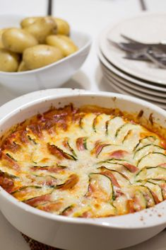 Workshop Cafe, Tasty, Yummy Food, Food Photo, Bon Appetit, Macaroni And Cheese, Zucchini, Healthy Snacks, Sausage
