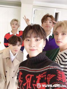 Vocal unit from Seventeen / Jeonghan, Woozi, Seungkwan , DK and Joshua Carat Seventeen, Seventeen Debut, Joshua Seventeen, Seventeen Memes, Woozi, Wonwoo, Jeonghan Seventeen, Joshua Hong, Seventeen Wallpapers