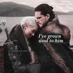 So cute ❤️❤️Jonerys Jon E Daenerys, Game Of Throne Daenerys, Daenerys Targaryen, Got Dragons, Mother Of Dragons, Game Of Thones, Kit Harrington, Growing Strong, King In The North
