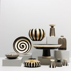 Werkstatt Hedwig Bollhagen in der Studio Galerie Berlin Modern Ceramics, Contemporary Ceramics, Glass Ceramic, Ceramic Pottery, Hedwig Bollhagen, Keramik Design, Glaze Paint, Pottery Designs, Clay Pots
