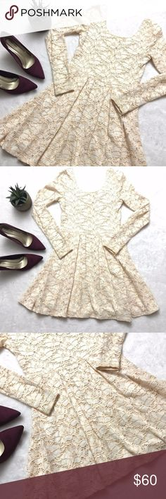 FREE PEOPLE Ivory Peach Lace Scoop Fit Flare Dress FREE PEOPLE Ivory Peach Lace Scoop Fit and Flare Dress size small. Perfect for Easter, summer, festival and everything in between! Long sleeves, scoop back, fit and flare with Pleated skirt. Full lined. Pullover styling. Free People Dresses