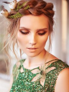 Hair Styles 2018 gorgeous crown braid Discovred by : Style Estate Makeup Inspiration, Wedding Inspiration, Makeup Inspo, Style Inspiration, Corte Y Color, Hair Shows, Her Hair, Wedding Hairstyles, Summer Hairstyles