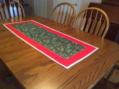 Christmas table runner by mommomsquilts on Etsy