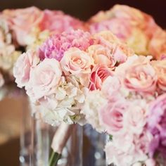 peach and pink wedding flowers bouquets