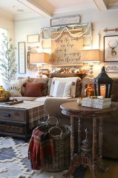 Decorate your home for fall on a budget with expert advice from The Design Twins, Jodie & Julie. Modern Farmhouse Decor, Farmhouse Chic, Mums In Pumpkins, Autumn Interior, Fall Friends, Decorating Your Home, Fall Decorating, Creative Decor, Home Living Room