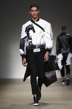 Yoshio Kubo / Moto Guo / Consistence Fashion Show Menswear Collection Fall Winter 2017 in Milan
