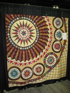 Mariner's Compass Quilts - Is there really an original one out there? Quilting Projects, Quilting Designs, Quilting Ideas, Quilt Patterns, New York Beauty, Native American Images, Mariners Compass, Fat Quarter Quilt, Medallion Quilt