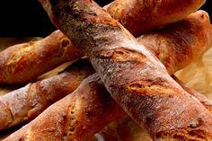 A baguette eredete nem teljesen egyértelmű, egyes források szerint Napóleon egyik pékje találta ki, amikor egy olyan terméket... Baguette, Recipes, Bread, Recipies, Ripped Recipes, Recipe