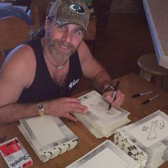 Shawn Michaels Wwe Shawn Michaels, The Heartbreak Kid, Cheap Short Prom Dresses, Wwe Superstars, Movie Tv, Wrestling, Guys, Awesome, Pictures