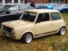 Up next is a Stunning 1275GT Spotted by my good friend Ian. Beautiful and some of the coolest wheels ever!