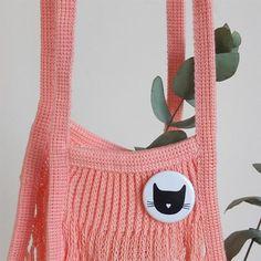 Badge chat noir par Audrey Jeanne - La Rose pourpre boutique - 5 EUROS