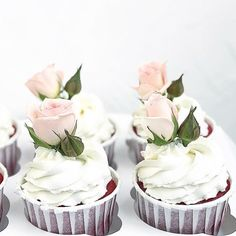 Repost @lyubbakery #cake #cakes #cupcake #cupcakes #cakeart #cakeporn #cakelover #cakedesign #cakeoftheday #cakestagram #торт #торты #тортик #тортспб #тортмосква #тортназаказ #тортыназаказ #капкейки #капкейкиназаказ #сладости #свадебныйторт #детскийторт #тортназаказмосква #тортнаденьрождения