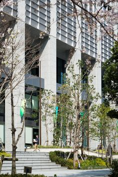 Shinagawa Season Terrace (品川シーズンテラス). / Architect : NTT Facilities (設計:NTTファシリティーズ).