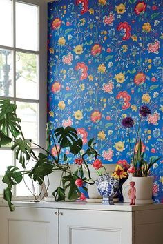 Pip Studio the Official website - Floral Fantasy wallpaper dark blue Dark Blue Wallpaper, Blue Floral Wallpaper, Blue Wallpapers, Colorful Wallpaper, Fabric Wallpaper, Flower Wallpaper, Pattern Wallpaper, Paint Wallpaper, Bedroom Wallpaper