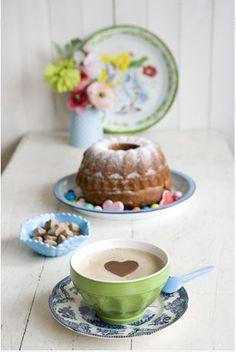 """""""A esperança é um ótimo café da manhã.""""More breakfasty stuff at iwantthatbreakfast.tumblr.com  !! :) ♥♤♧♡♢☼★✰☯☆❖☁"""