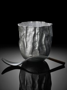 Sugarbowl-&-Spoon - Hamish Dobbie                                   love the spoon, forged silver with walnut detail