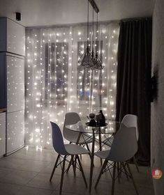 Bedroom Layouts, Room Ideas Bedroom, Bedroom Decor, Home Room Design, Interior Design Kitchen, House Design, Black White And Gold Bedroom, Small Studio Apartments, Bedroom Cupboard Designs