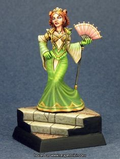 Wonderful figure and painting. Especially love the translucent effect in the robe sleeves.