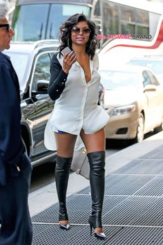 "Taraji P.Sexy young lady strutting in ""Dem boots! Celebrity Outfits, Celebrity Style, Celebrity News, Celebrity Couples, Chic Outfits, Fashion Outfits, Womens Fashion, Vetements Shoes, Mode Shoes"