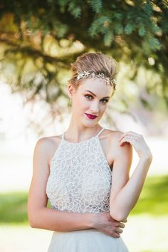 Bridal beauty ideas, teased crown, pixie cut, halter neck wedding dress, glam bride // The Unfound Door