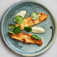 Smørrebrød hitter hos gæsterne! På denne måneds top 10 anmeldte restauranter finder man både @restaurantkoefoed og den nye #esplanaden48 - sejt#restaurant #gæsteanmeldelser #foodstagram #foodie #copenhagen #cphfood #cphfoodie #københavn #kbh #smørrebrød #bornholm (link i bio) #instagram