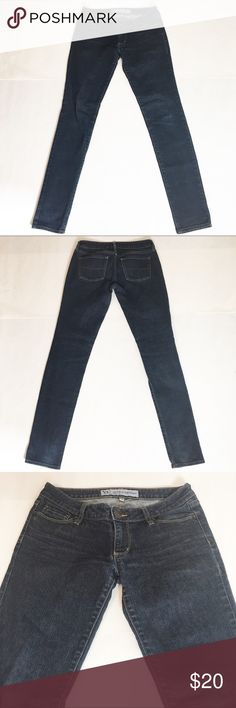 """Bullhead Super Skinny Jeans Bullhead Super Skinny Jeans. Size: 3R. 5"""" ankle, 39"""" length, 31"""" inseam, 7"""" rise, 27"""" waist. All measurements taken laying flat without stretching. Slight fading. Bullhead Jeans Skinny"""