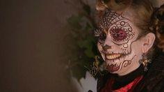 """A Caen, une fête de la mort à la sauce mexicaine  """"El dia de los muertos"""", ou """"DDLM"""", c'est une nouvelle tradition qui s'installe à Caen au moment de la Toussaint. Une fête de la mort, mais plutôt joyeuse."""