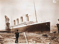 An old family album contains previously unseen photographs of the launch of the Titanic liner from its Belfast shipyard. Rms Titanic, Titanic Photos, Titanic Ship, Titanic History, Titanic Wreck, Titanic Model, Ancient History, Belfast, Bbc News