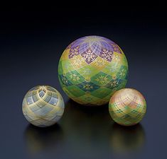 截金(kirikane)decorated balls by Sayoko ERI