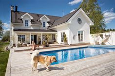 New England Stil g rd i New England Stil Dream Home Design, My Dream Home, House Design, Outdoor Living Areas, Outdoor Rooms, New England Homes, Cottage, River House, Dream House Plans