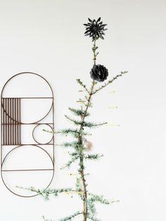 Diy-Brass-Christmas-Tree-@monsterscircus.jpg 2.100×2.800 Pixel