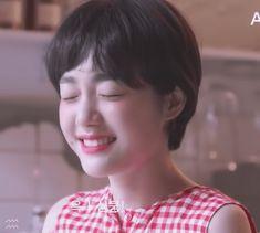 Korean Short Hair, Short Hair Cuts, Pixie Hairstyles, Pretty Hairstyles, Short Hair Tomboy, Cute Kawaii Girl, Shot Hair Styles, Face Pictures, Face Hair