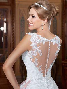 Gardênia 24 - costas (detalhe) #coleçãogardenia #vestidosdenoiva #noiva #weddingdress #bride #bridal #casamento #modanoiva