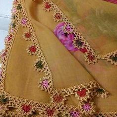 This Pin was discovered by Ayş Angel Crochet Pattern Free, Crochet Edging Patterns, Crochet Lace Edging, Crochet Motifs, Crochet Borders, Filet Crochet, Free Pattern, Saree Tassels, Saree Border